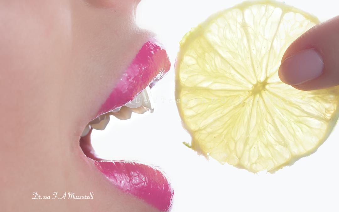 Il ruolo delle Vitamine C e D sui denti  e come possibile prevenzione al Covid 19